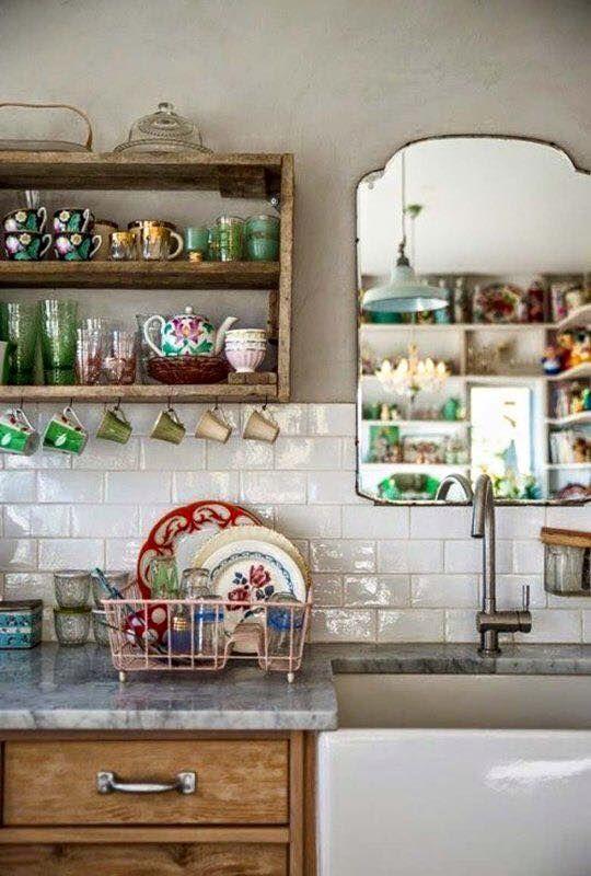 Cucina - Mensole in legno - case stile vintage
